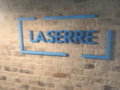 la_serre_wall_logo.jpg